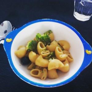 Pasta broccoli en olijf